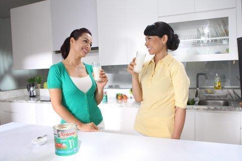2 ly sữa anlene mỗi ngày cho xương chắc khỏe