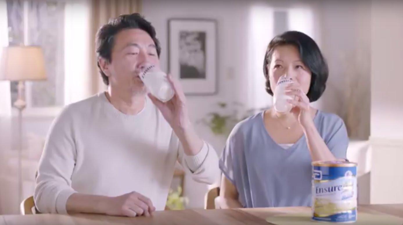 Sữa Ensure Gold giúp chống loãng xương ở người lớn và trung niên